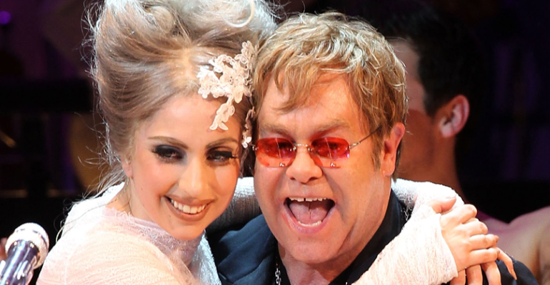 Lady Gaga canta Born This Way al party dei 70 anni di Elton John – video