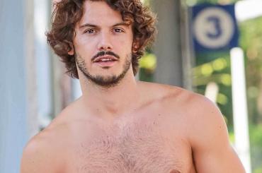 Giovanni Masiero in mutande su Instagram (con Francesca incinta) – foto