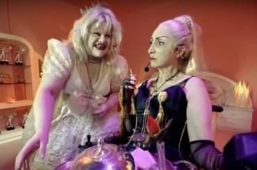 Baby Jane, il corto parodia di David LaChapelle con due sosia di Madonna e Courtney Love – video