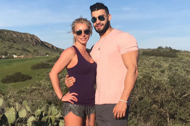 Britney Spears festeggia i 23 anni del fidanzato Sam Asghari – foto