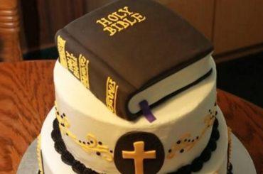 Gay convertito dopo aver mangiato una torta preparata da cristiani (daje a ride)