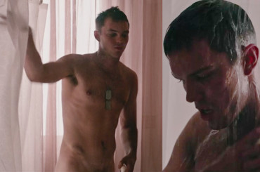 Nicholas Hoult , doccia sexy in Sand Castle – foto