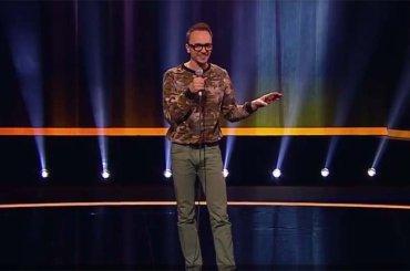 Comico fa coming out in diretta sulla tv russa: 'è stato fantastico' – video