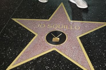 Jo Squillo balla davanti alla SUA stella sulla Hollywood Walk of Fame – foto e video