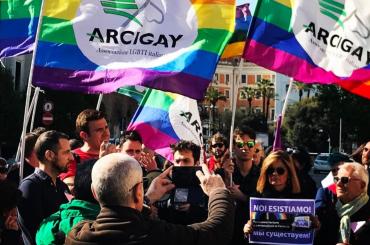 Cecenia, a decine al sit-in di Roma contro l'omocausto – video
