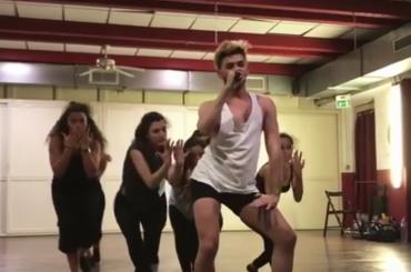 Cristian Imparato balla e canta Beyonce – video