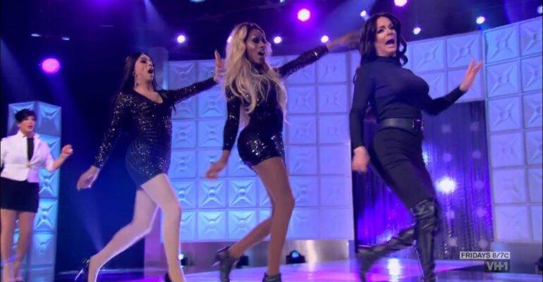 RuPaul's Drag Race 2017, la dinasty Kardashian-Jenner diventa musical – video