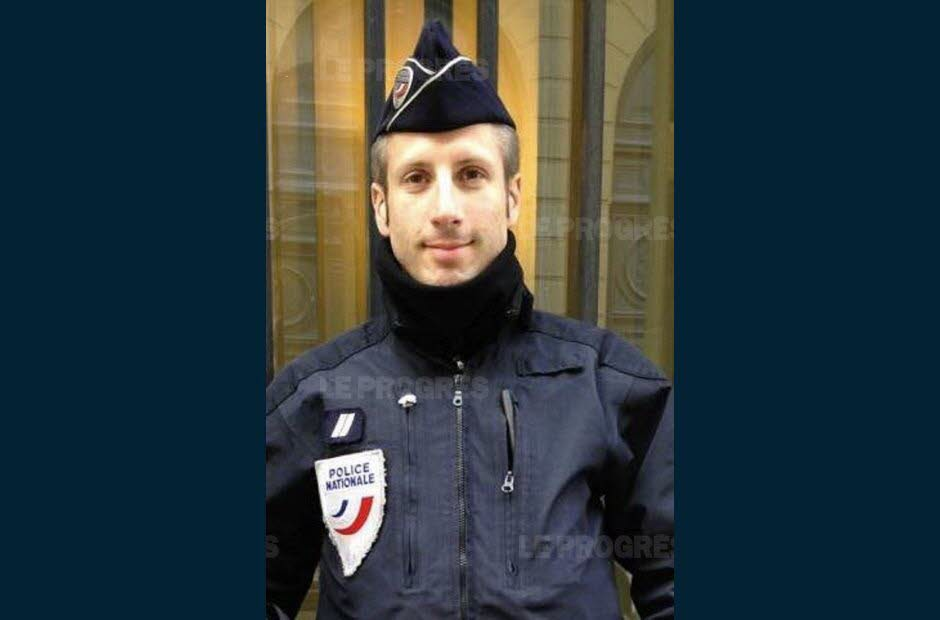 le-policier-de-37-ans-xavier-jugele-est-mort-sous-les-tirs-de-kalachnikov-de-l-assaillant-photo-facebook-association-flag-1492784198