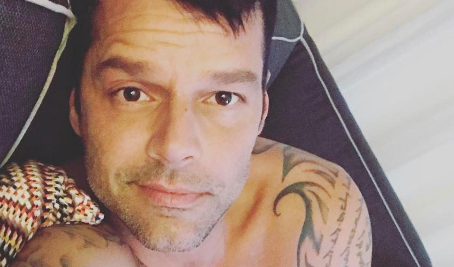 Ricky Martin bono da sturbo in mutande nel camerino - foto