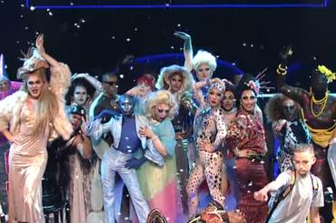 Katy Perry LIVE al SNL con Swish Swish – video