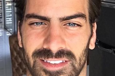 Nyle DiMarco, ancora pacchi a cosce aperte su Instagram – foto