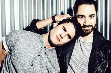 Every Single Night, l'adorabile singolo di Darren Criss con suo fratello Chuck – video