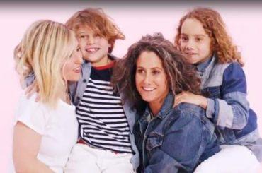 GAP, anche due mamme lesbiche nella nuova campagna – video