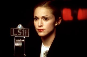 """Lana Del Rey canta """"You Must Love Me"""" di Madonna: il 16 marzo on line"""