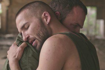 Nights With You, MØ  celebra l'amore LGBT nel nuovo video
