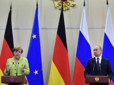 Cecenia, Angela Merkel si appella a Vladimir Putin: 'rispettare e proteggere i diritti LGBT'