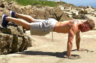 Ryan Phillippe è una cosa che non ce se crede su Men's Fitness