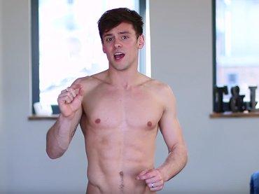 Tom Daley e l'allenamento perfetto per la prova costume – video
