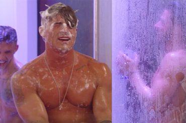 Big Brother Uk, doccia di gruppo omoerotica per i ragazzi – video