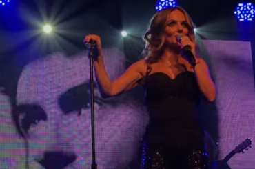 Geri Halliwell  live at G-A-Y con It's Rainning Men, Look At Me  e Angels In Chains – video