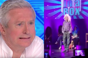Louis Walsh, il giudice di X-Factor Uk diventa DRAG e si trasforma in Dolly Parton – video