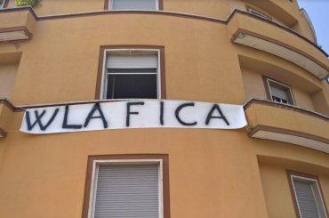 Latina, per protestare contro il LAZIO PRIDE espone striscione 'w la fi*a' – arrivano i carabinieri