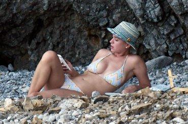 Katy Perry, vacanze in Italia con grattata di patata – foto