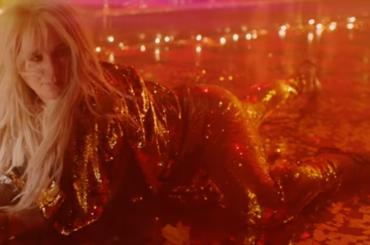Kesha, ancora un video a sorpresa: ecco WOMAN ft. The Dap-Kings Horns