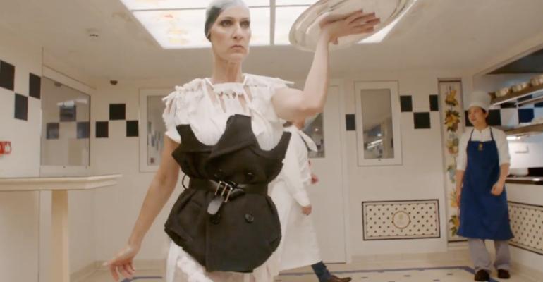Celine Dion semplicemente PAZZESCA per Vogue – il meraviglioso video