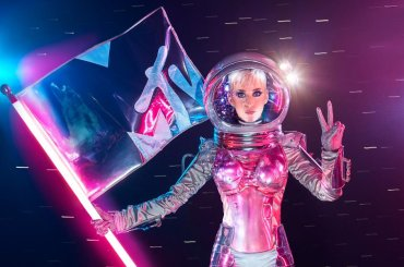 MTV Video Music Awards 2017, lo spot con Katy Perry 'conduttrice' – video