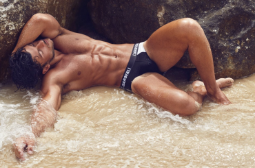 Daniel Garofali bono da spiaggia, le foto Instagram
