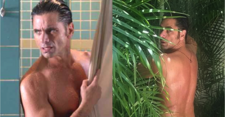 John Stamos nudo per i 54 anni, la foto social