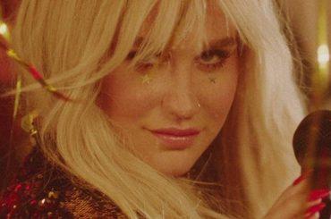 """Hymn , ancora un inedito per Kesha – la tracklist di  """"Rainbow"""""""