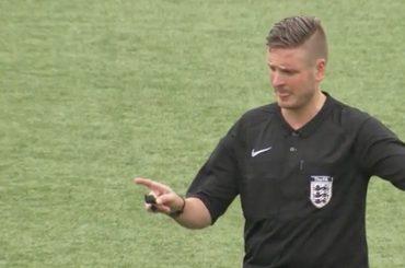 Ryan Atkin, l'arbitro inglese fa coming out: 'sono gay, l'omofobia è ancora un problema'
