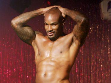 Tyson Beckford stripper si spoglia e je l'appizza alla giornalista – le gif