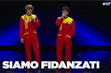 X-Factor Italia, Sem e Stenn  coppia gay con bacio alle audizioni – il video