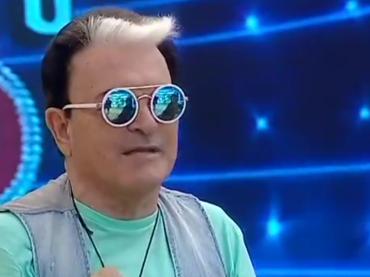 Grande Fratello Vip, Cristiano Malgioglio alle ragazze: 'ho sognato uccello stanotte' – video