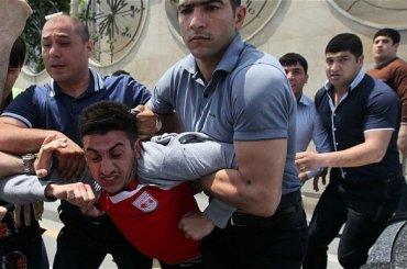 Azerbaijan, un centinaio di ragazzi gay rapiti, arrestati e  torturati