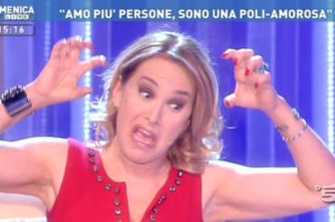 Fedez vs. Barbara d'Urso causa cane della Ferragni, 'le tue cagate non si raccolgono'