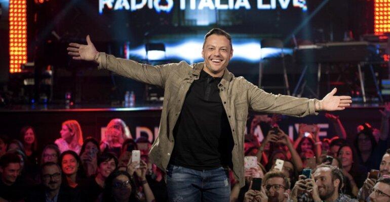 Tiziano Ferro, questa sera il concerto acustico su REAL TIME e RADIO ITALIA