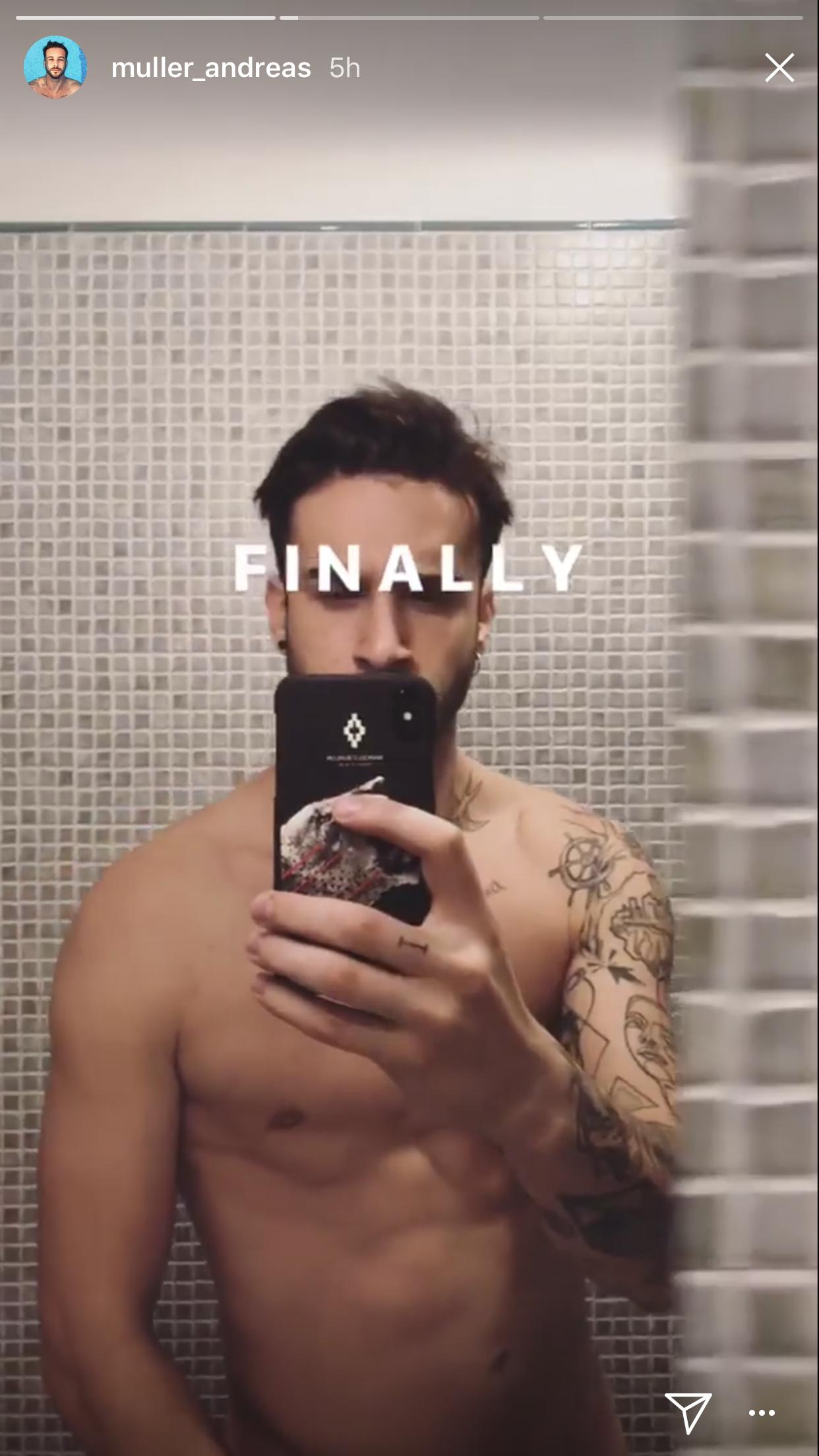 Andreas Muller di Amici, è doccia Instagram – le foto