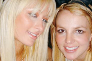 Paris Hilton come Pippo Baudo: 'il selfie l'ho inventato io!'