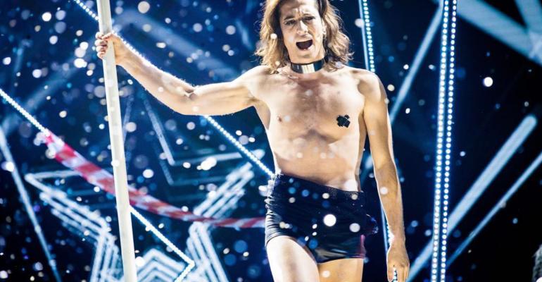 X-Factor, lap dance e show per Damiano David dei Maneskin – gif e video