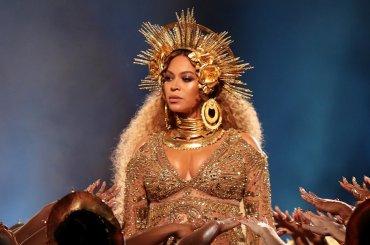 Beyoncé è la cantante che più ha guadagnato del 2017, la Top10 Forbes
