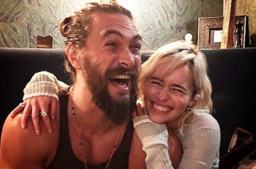 Game of Thrones, Emilia Clarke ritrova Jason Momoa  – la foto reunion