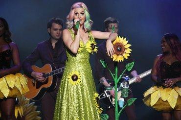 Katy Perry bandita dalla Cina, niente ingresso e niente concerto