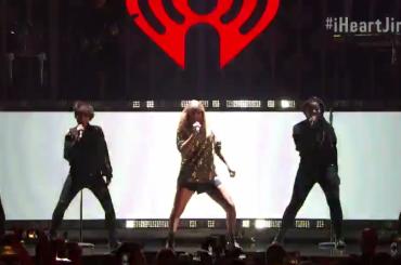 Taylor Swift SHOW al KIIS FM's Jingle Ball 2017 – 25 minuti di concerto video