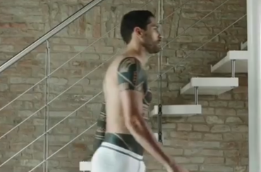 Intimissimi, lo spot con Marco Borriello in mutande – video