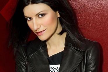 Laura Pausini giudice di X-Factor Spagna, che occasione persa per rilanciare The Voice of Italy