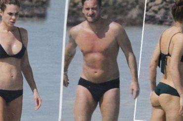 Francesco Totti in costume ancora je l'ammolla – le foto CHI